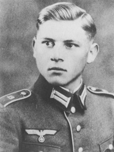 Wittmann in army uniform. Visible on the shoulder bar of his uniform is the number of his regiment, the 19th based in Freising near Munich