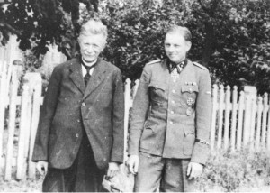 Wittmann with his father-in-law in Erbstdorf, during his last period of leave prior to his taking command of the battalion