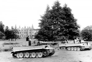 Tiger training in Ploërmel, Brittany in 1943. These tanks belong to the Army's 2. (schwere) Panzer-Abteilung 502